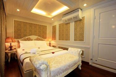 signature-cruise-senior-suite